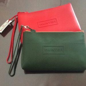 🆕 2x HUNTER x target wristlet set- red + green